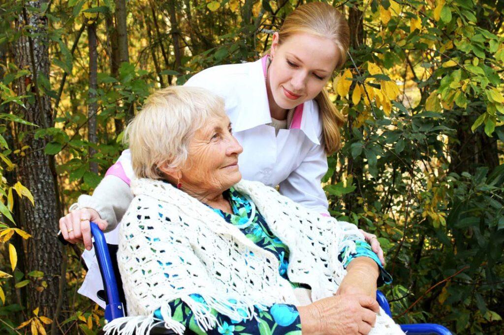 бабушка в коляске