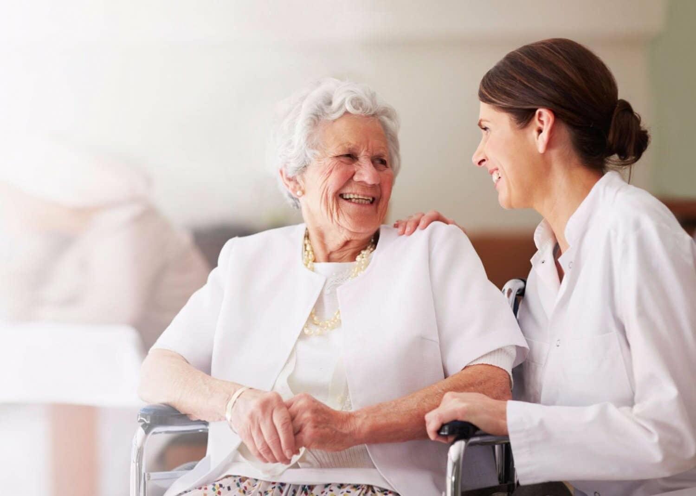 разговор сиделка с пожилым